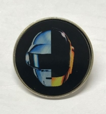 Daft Punk - Pin in the group Campaigns / BlackFriday2020 at Bengans Skivbutik AB (2424793)